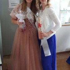 Weinkönigin Melanie I. beim Blütenfest in Rosbach